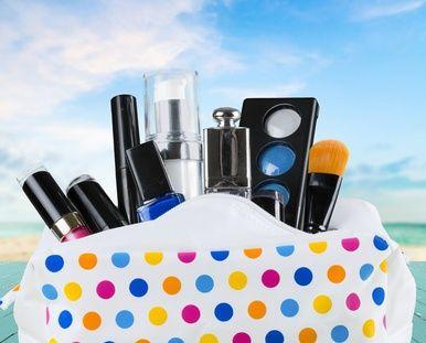 kosmetyczka - co powinno się w niej znaleźć?